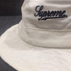 Supreme Accessories - Supreme white corduroy bucket hat 6b95b2b33ae5